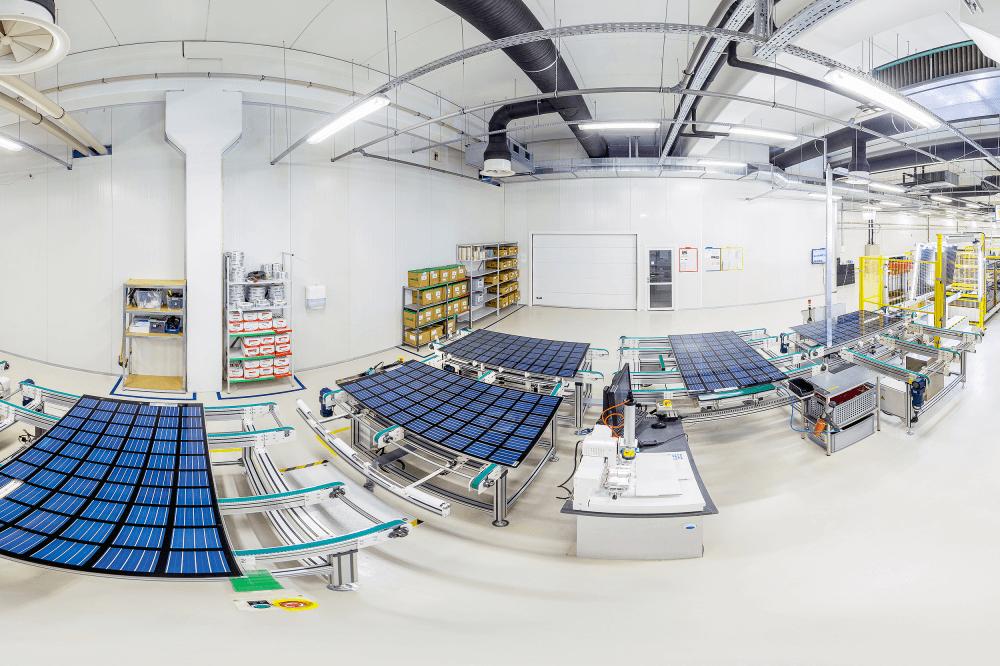 Solitek kviečia susipažinti su saulės modulių gamybos procesais