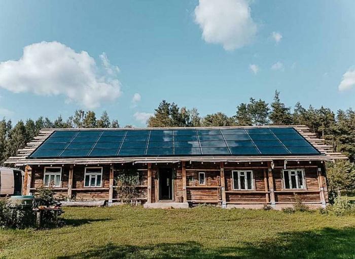 Solitek solid bifacial solrif integruota saules elektrine