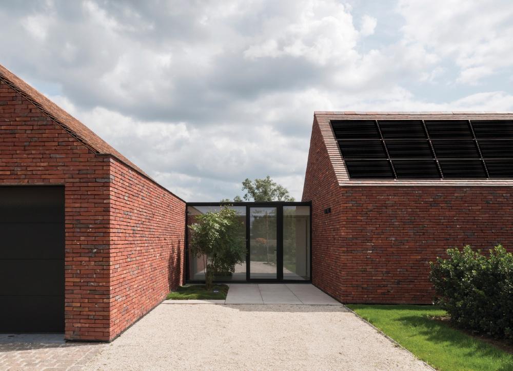 SoliTek pristato pažangiausią saulės modulį BLACKSTAR