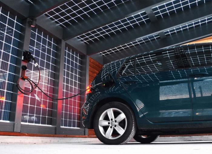 Stoginė automobiliui - saulės elektrinė